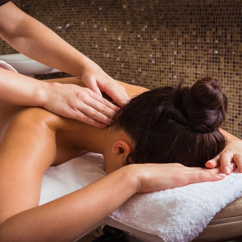 Классический массаж спины и шеи