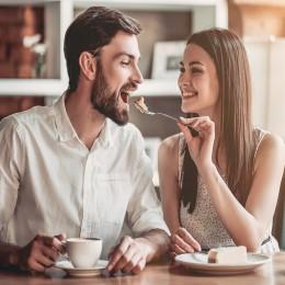 Сладкое свидание в кофейне