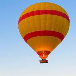 Воздушный шар в группе для двоих